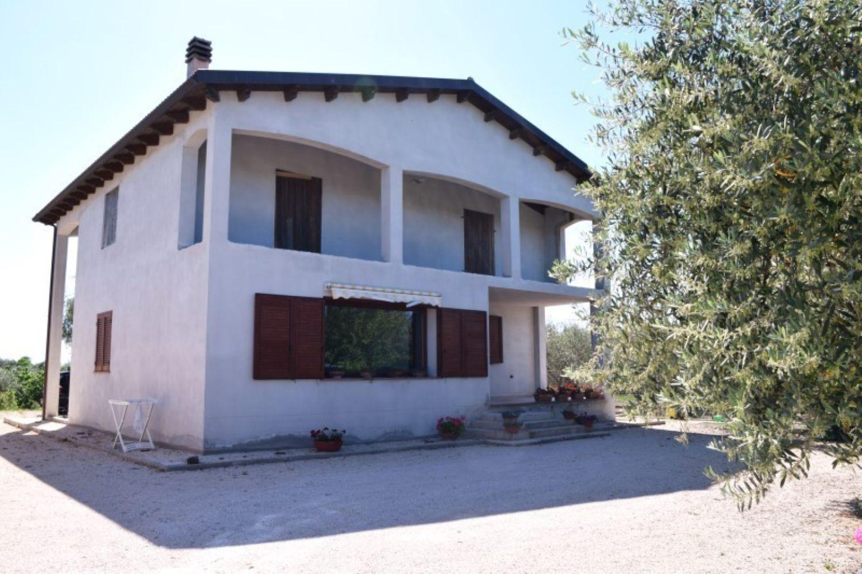 Soluzione Indipendente in vendita a Sassari, 6 locali, prezzo € 295.000 | Cambio Casa.it