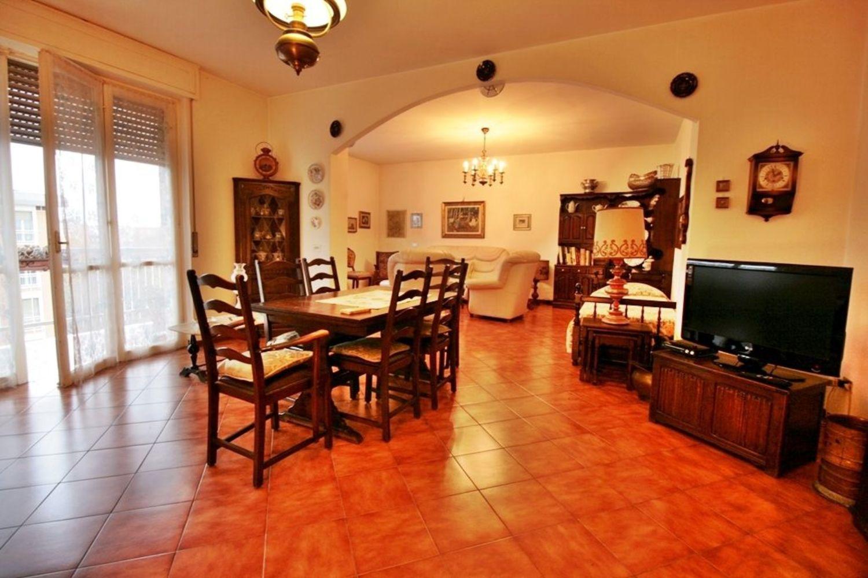 Appartamento in vendita a San Giuliano Milanese, 5 locali, prezzo € 220.000   CambioCasa.it