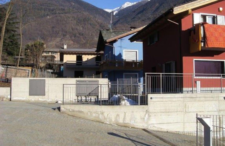 Villa Bifamiliare in vendita a Castione Andevenno, 5 locali, prezzo € 190.000 | CambioCasa.it