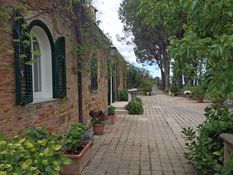 Soluzione Indipendente in vendita a Castelbuono, 8 locali, prezzo € 430.000 | Cambio Casa.it