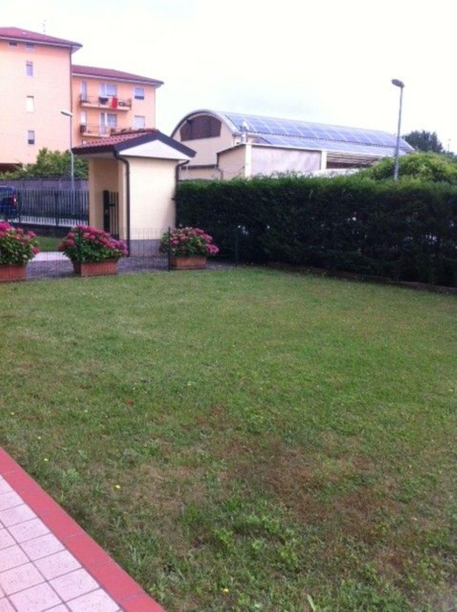 Appartamento in affitto a Masate, 2 locali, prezzo € 510   CambioCasa.it