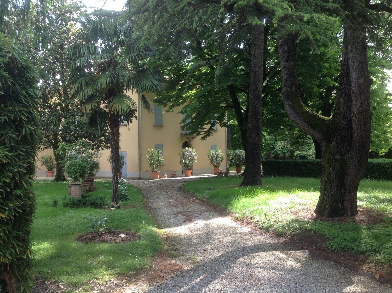 Soluzione Indipendente in vendita a Budrio, 16 locali, prezzo € 950.000 | CambioCasa.it