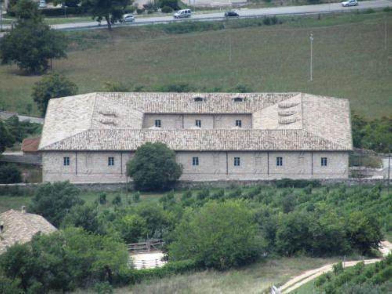 Soluzione Indipendente in vendita a Trevi, 27 locali, prezzo € 3.000.000 | Cambio Casa.it