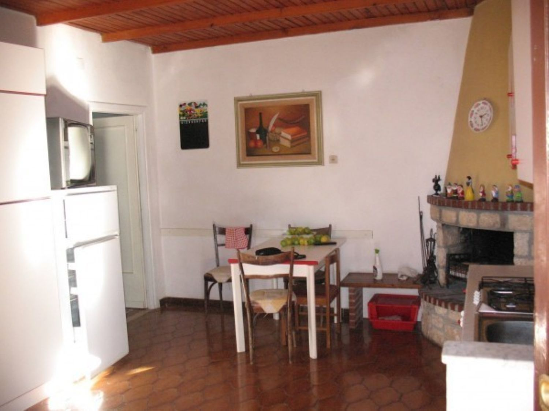 Soluzione Indipendente in vendita a Cervara di Roma, 3 locali, prezzo € 90.000 | Cambio Casa.it