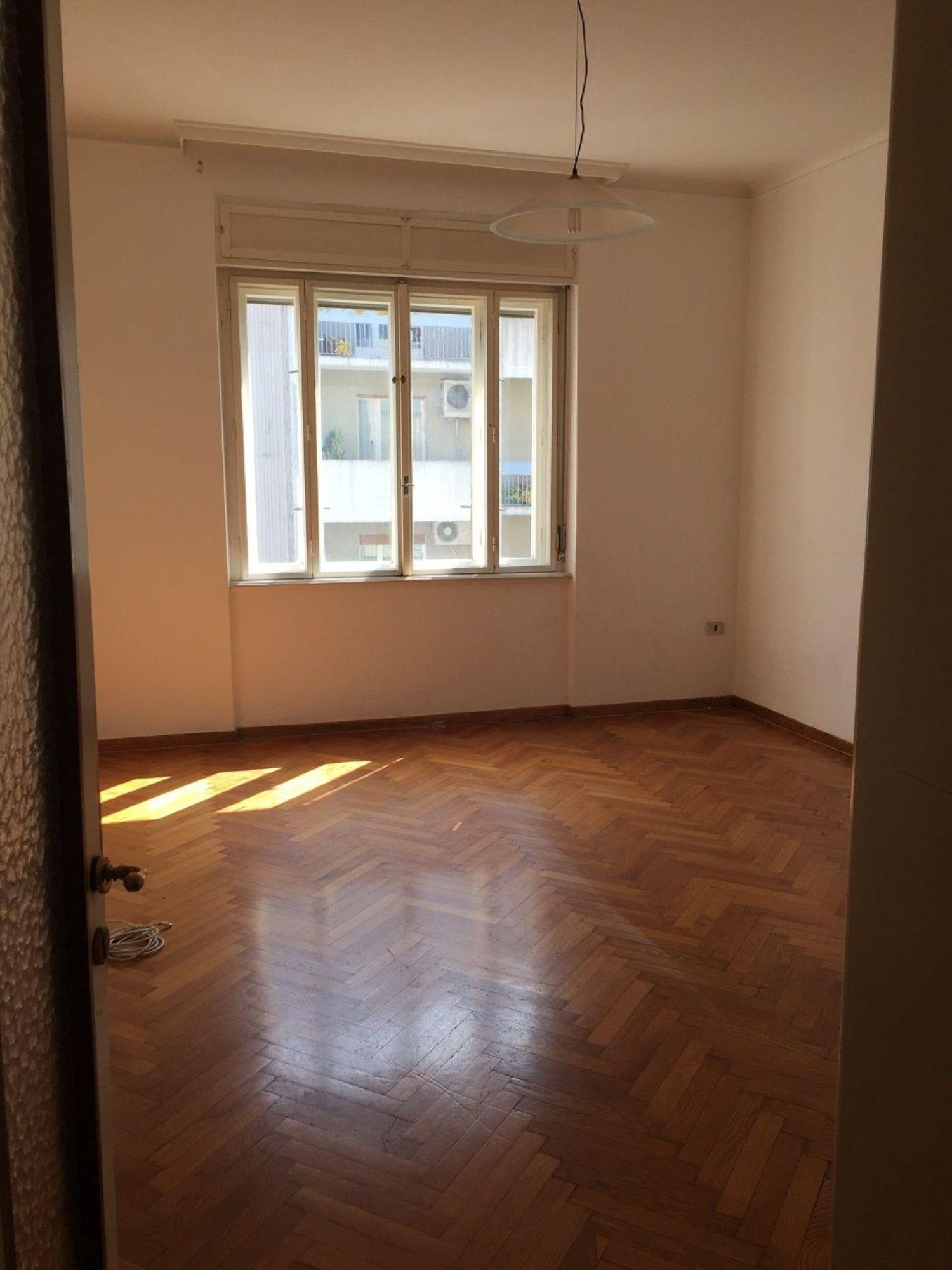 Appartamento in affitto a Trieste, 4 locali, prezzo € 650 | Cambio Casa.it