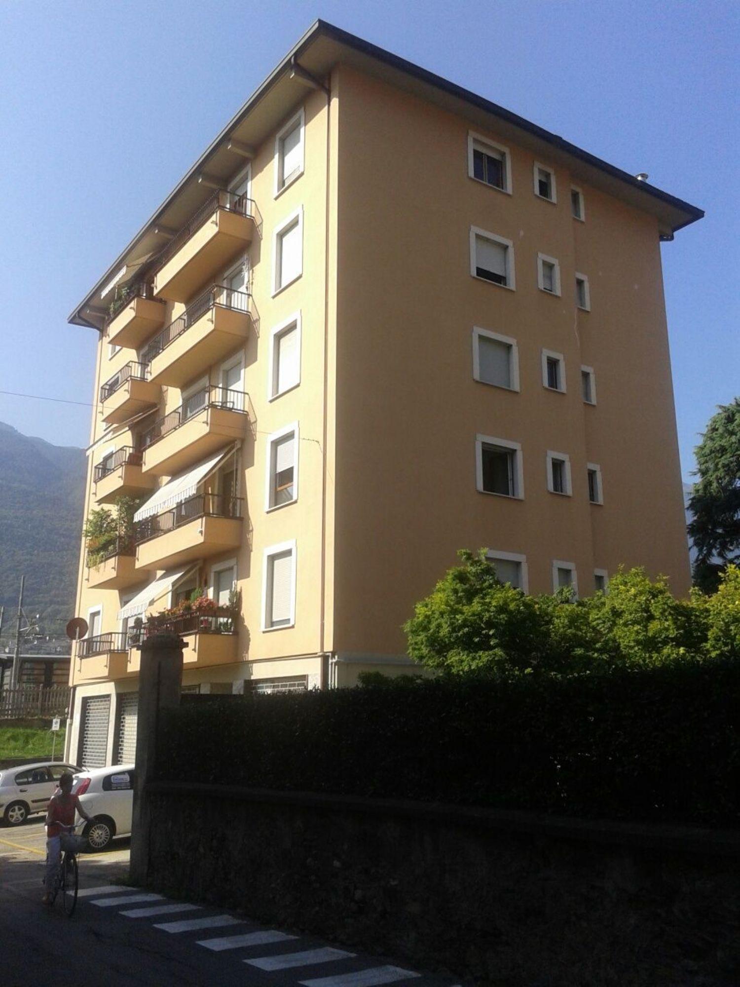 Immobile Commerciale in affitto a Sondrio, 9999 locali, prezzo € 700 | CambioCasa.it