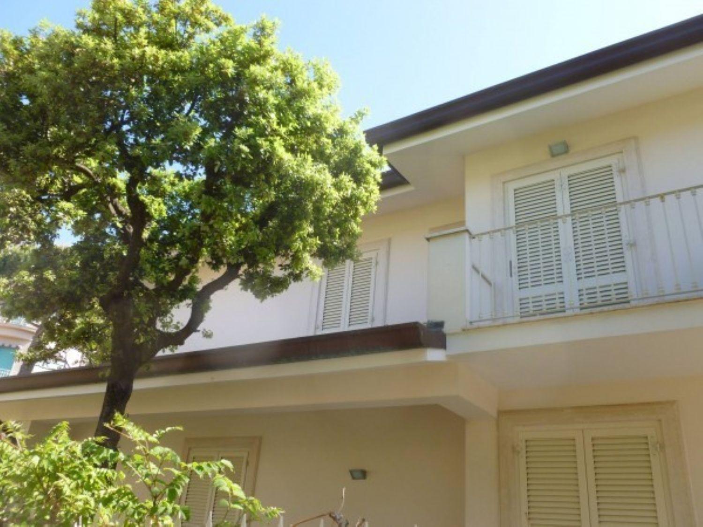 Soluzione Indipendente in vendita a Camaiore, 6 locali, prezzo € 1.500.000   Cambio Casa.it