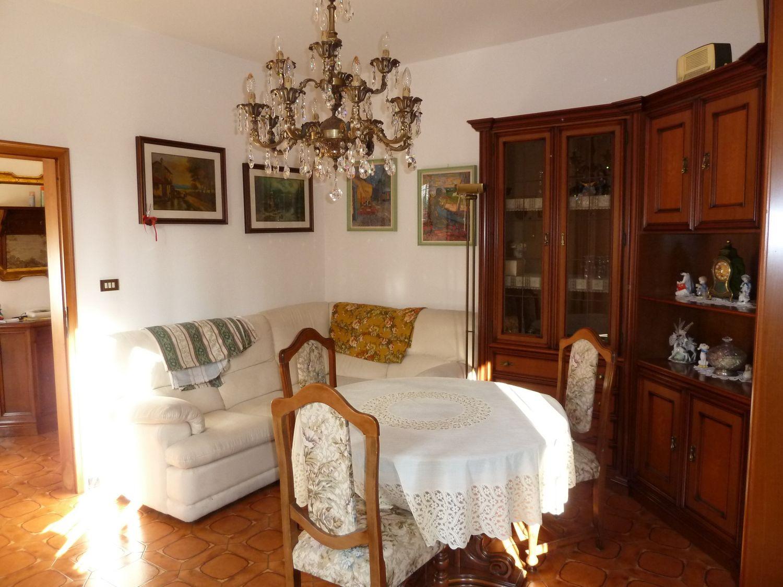 Soluzione Indipendente in vendita a San Giovanni in Persiceto, 8 locali, prezzo € 290.000   Cambio Casa.it