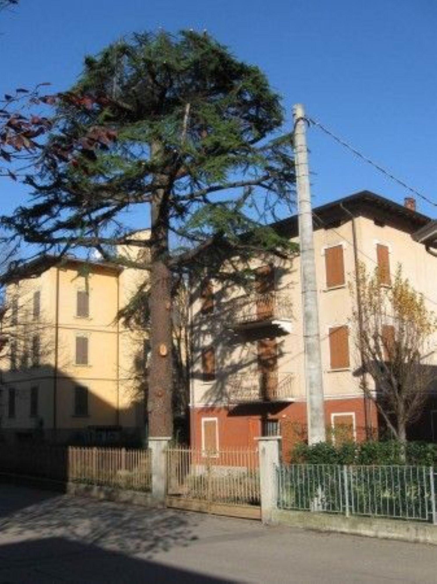Soluzione Indipendente in vendita a Reggio Emilia, 18 locali, prezzo € 230.000   Cambio Casa.it