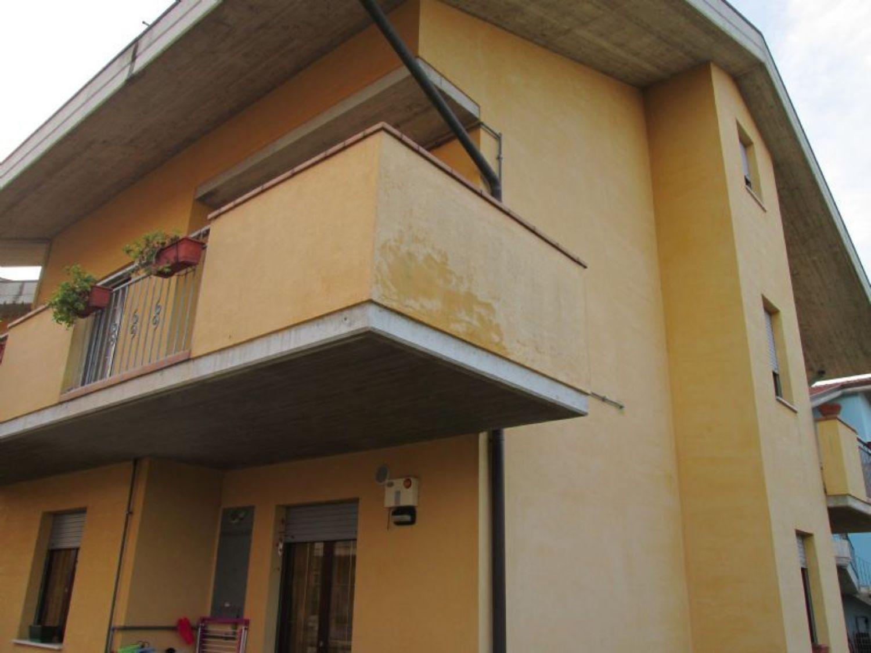 Appartamento in vendita a Città Sant'Angelo, 3 locali, prezzo € 180.000 | CambioCasa.it