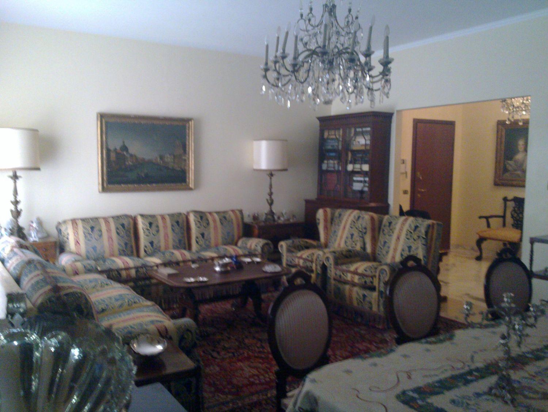 Appartamento in vendita a Milano, 4 locali, prezzo € 730.000 | Cambio Casa.it