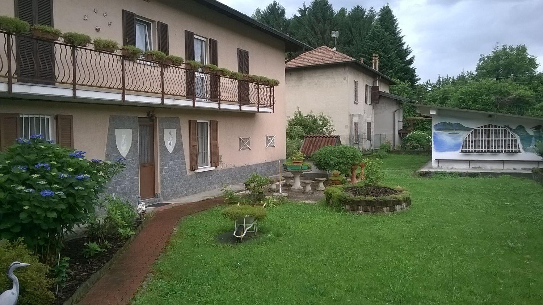 Appartamento in vendita a Cocquio-Trevisago, 4 locali, prezzo € 150.000 | Cambio Casa.it