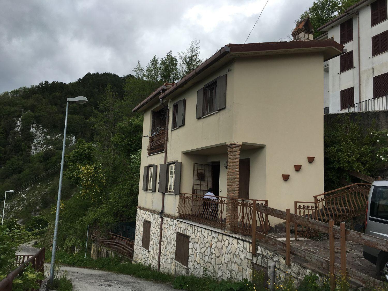 Soluzione Indipendente in vendita a Cervara di Roma, 4 locali, prezzo € 89.000 | Cambio Casa.it