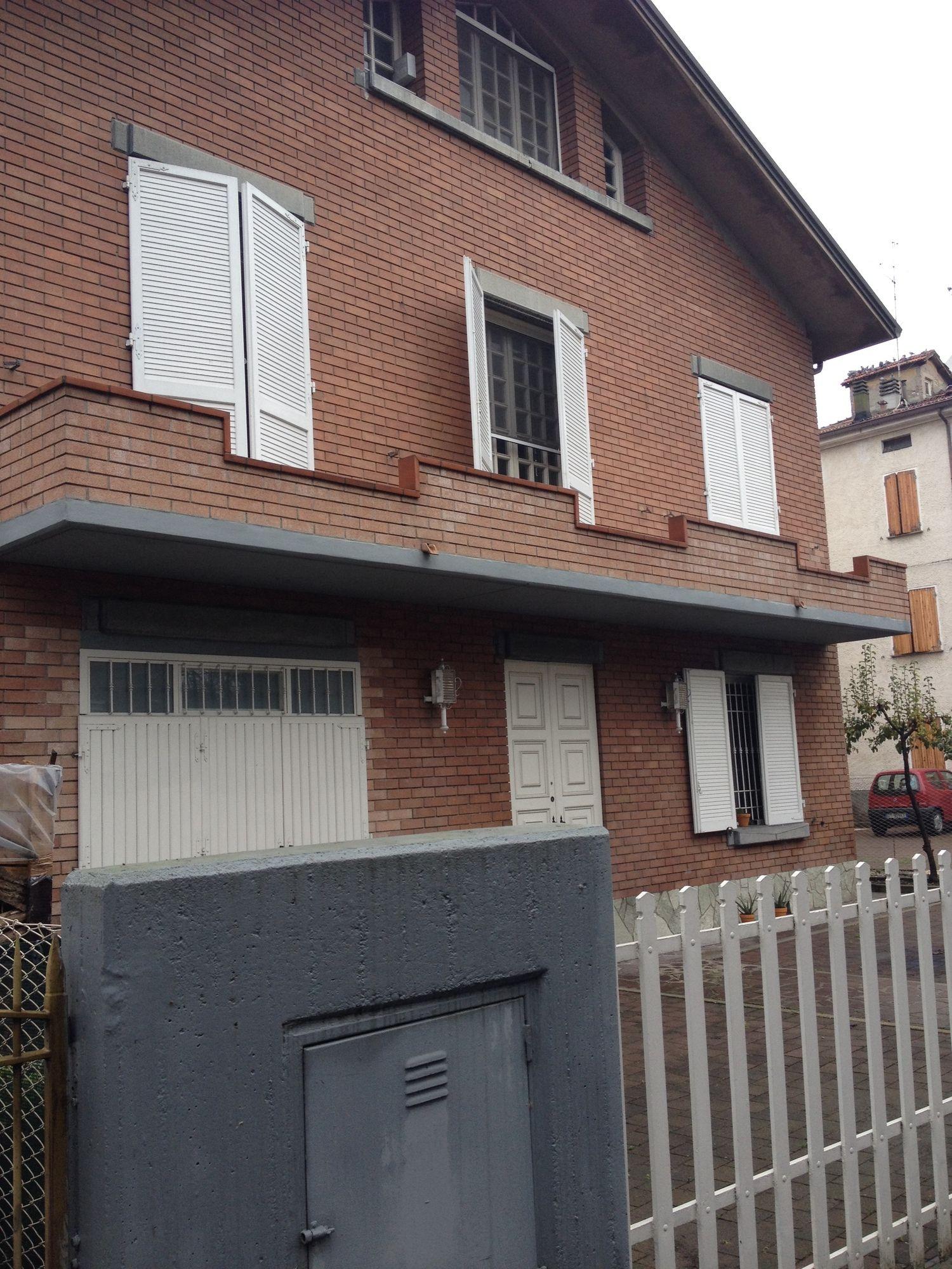 Soluzione Indipendente in vendita a Reggio Emilia, 14 locali, prezzo € 190.000 | Cambio Casa.it