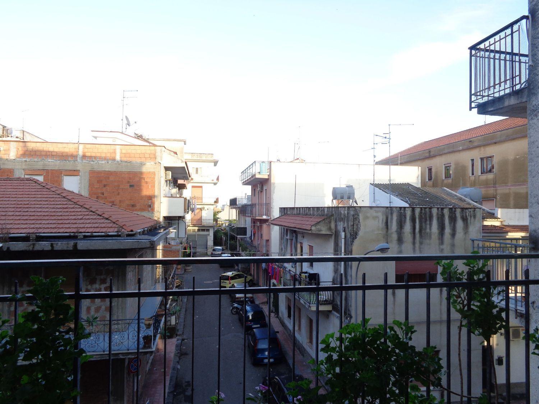 Appartamento in vendita a Giardini-Naxos, 5 locali, prezzo € 75.000 | Cambio Casa.it