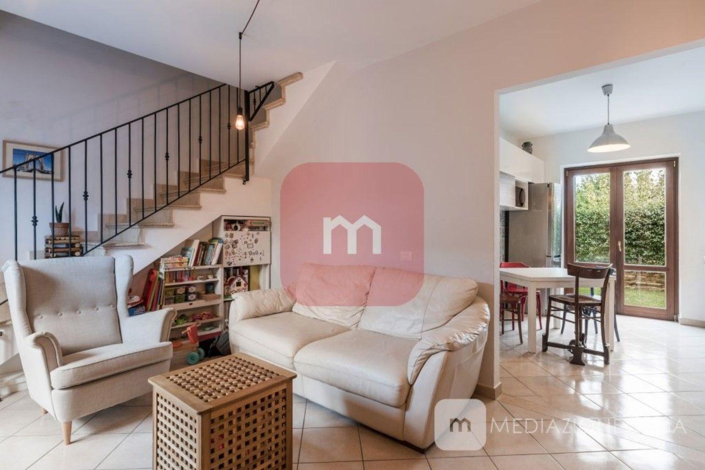 Villa a Schiera in vendita a Cave, 3 locali, prezzo € 139.000   CambioCasa.it