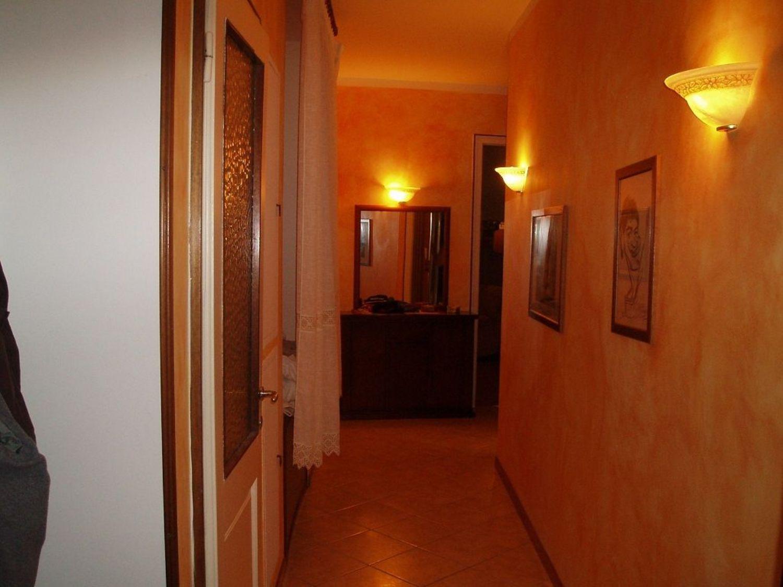 Appartamento in vendita a Trieste, 4 locali, prezzo € 99.500   CambioCasa.it