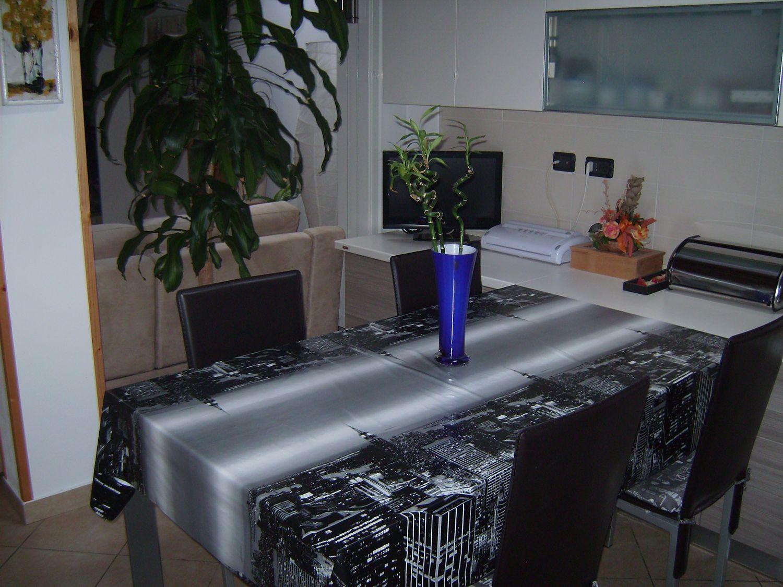 Appartamento in vendita a Azzio, 3 locali, prezzo € 128.000 | Cambio Casa.it