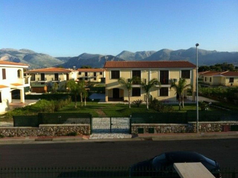 Villa Bifamiliare in affitto a Carini, 3 locali, prezzo € 700 | Cambio Casa.it