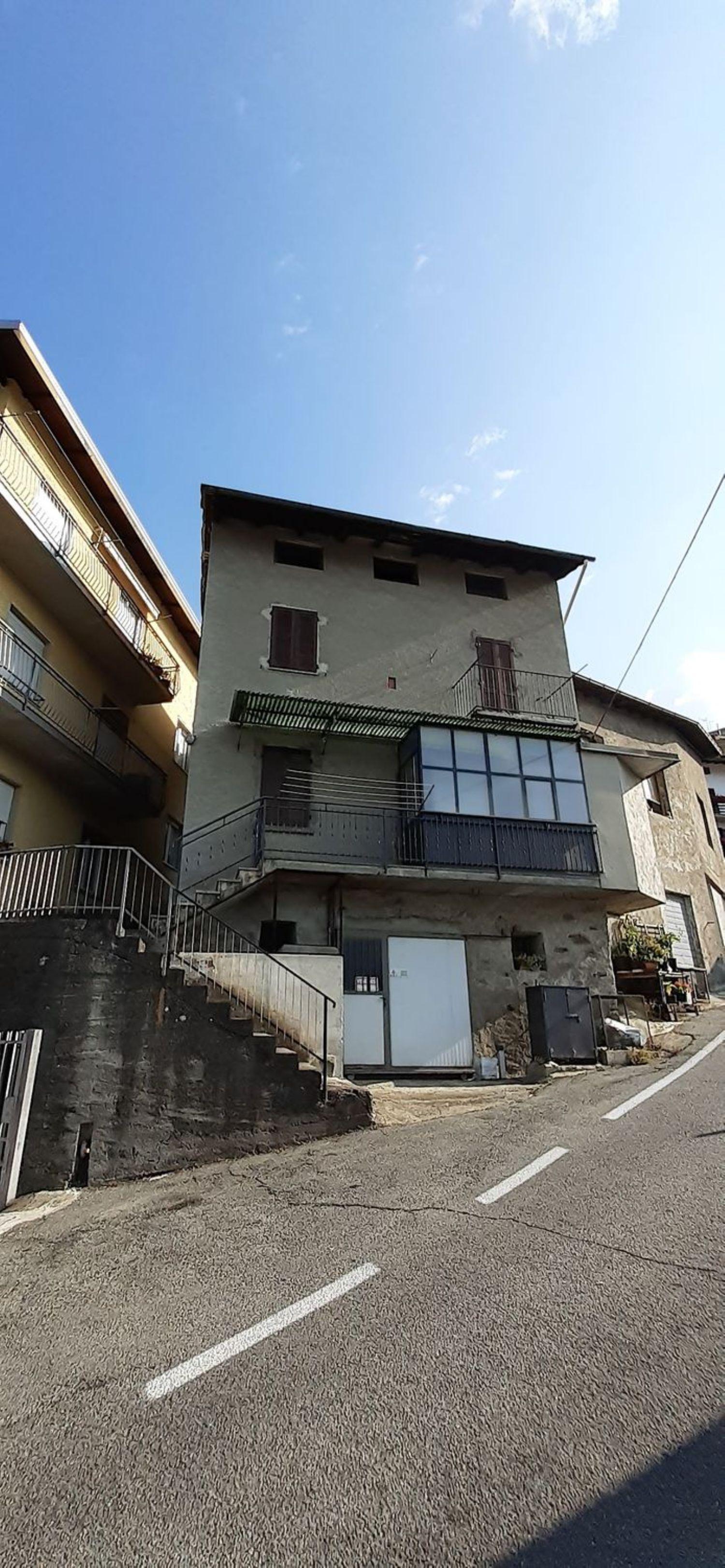 Villa Bifamiliare in vendita a Montagna in Valtellina, 7 locali, prezzo € 69.000 | PortaleAgenzieImmobiliari.it