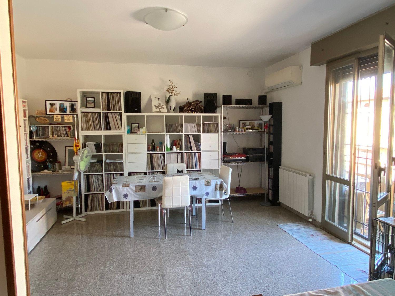 Appartamento in vendita a San Giovanni in Persiceto, 3 locali, prezzo € 100.000 | CambioCasa.it