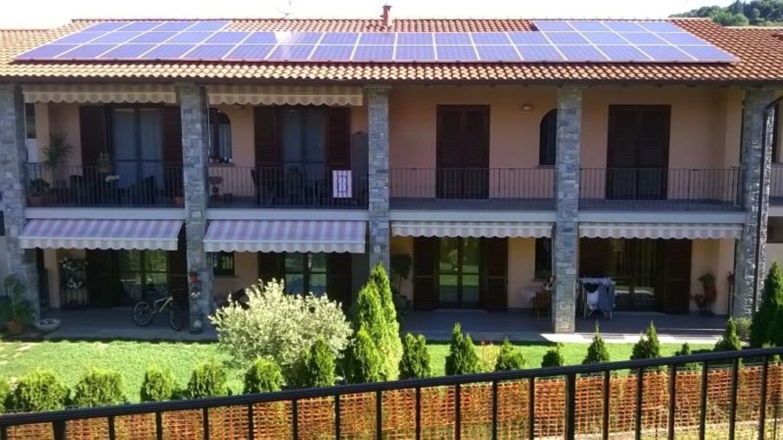 Appartamento in vendita a Cocquio-Trevisago, 3 locali, prezzo € 200.000 | Cambio Casa.it