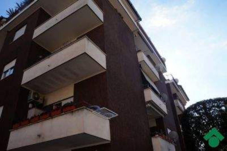 Appartamento in vendita a Velletri, 4 locali, prezzo € 159.000 | Cambio Casa.it