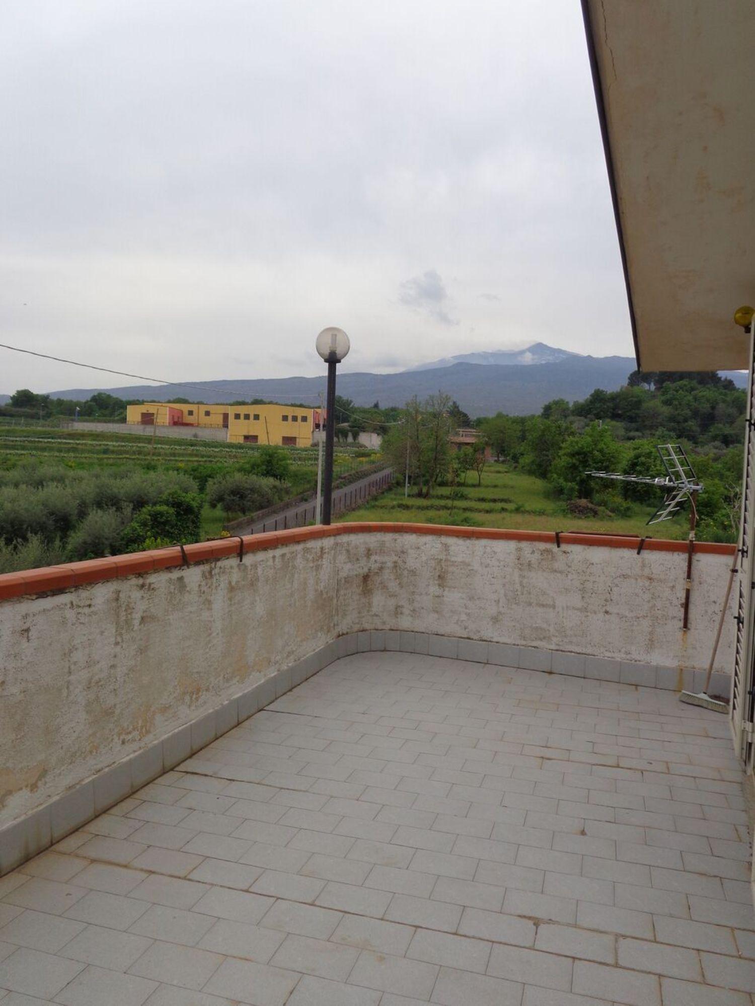Soluzione Indipendente in vendita a Castiglione di Sicilia, 6 locali, prezzo € 184.000 | CambioCasa.it