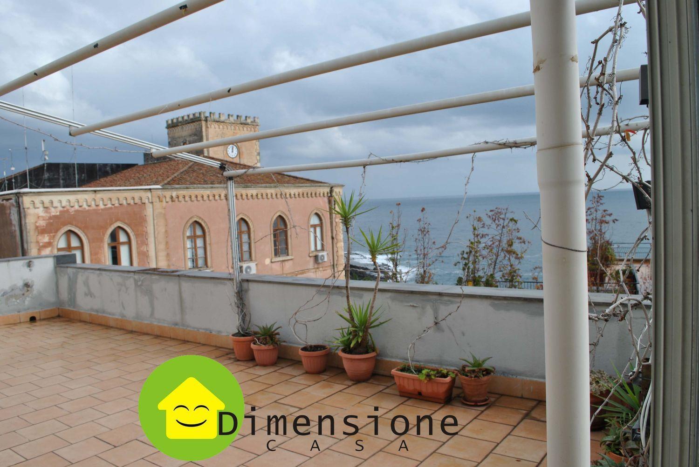 Duplex in Vendita a Aci Castello