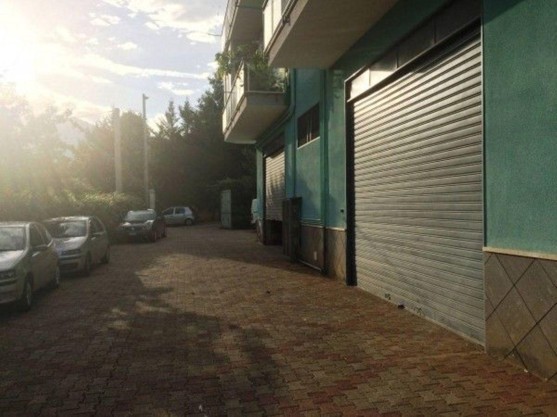 Immobile Commerciale in affitto a Belmonte Mezzagno, 9999 locali, prezzo € 280 | CambioCasa.it