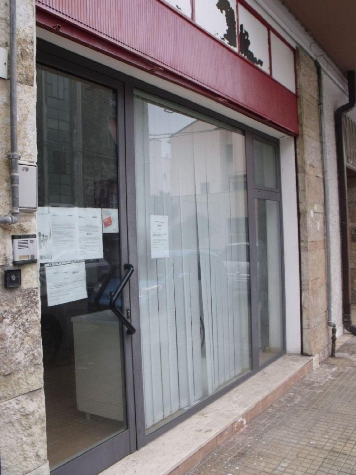 Immobile Commerciale in affitto a Ortona, 9999 locali, prezzo € 350   CambioCasa.it