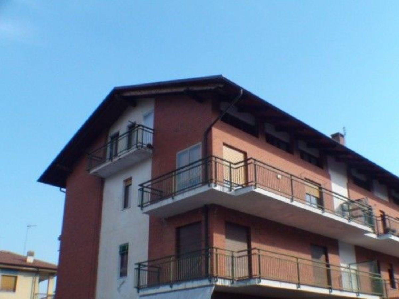 Appartamento in vendita a Cuorgnè, 3 locali, prezzo € 87.000 | Cambio Casa.it