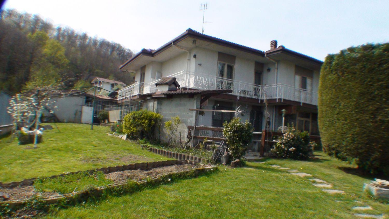Soluzione Indipendente in vendita a Cuorgnè, 7 locali, prezzo € 285.000 | Cambio Casa.it