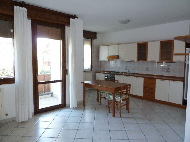 Appartamento in affitto a San Giovanni in Persiceto, 4 locali, prezzo € 500 | Cambio Casa.it