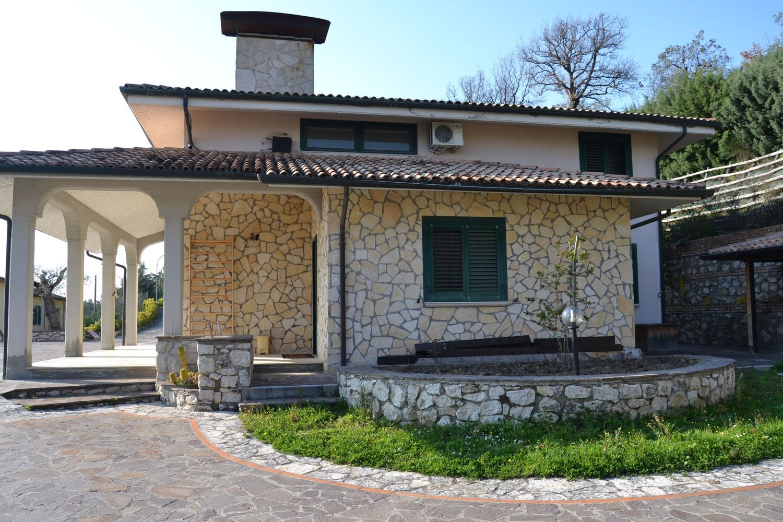 Soluzione Indipendente in affitto a Apice, 14 locali, prezzo € 400   CambioCasa.it