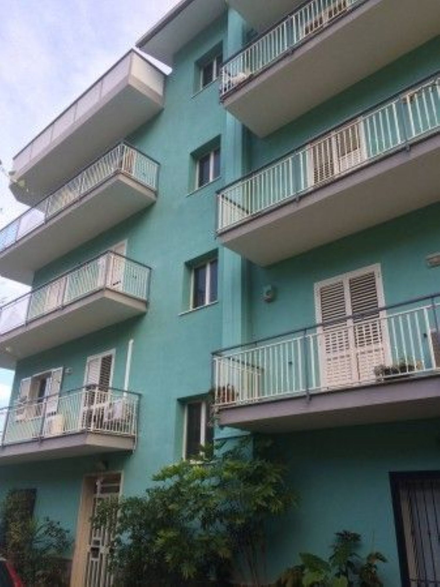Appartamento in affitto a Belmonte Mezzagno, 4 locali, prezzo € 430   CambioCasa.it