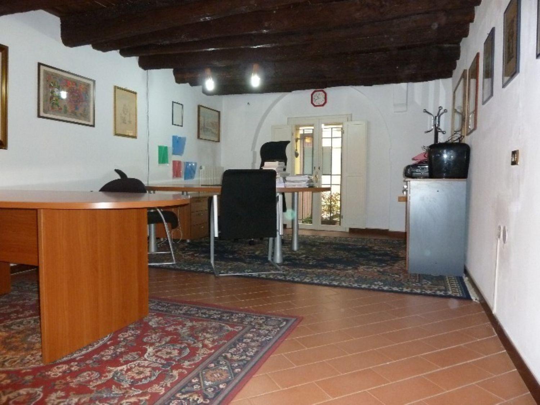 Ufficio / Studio in affitto a San Giovanni in Persiceto, 9999 locali, prezzo € 600   CambioCasa.it