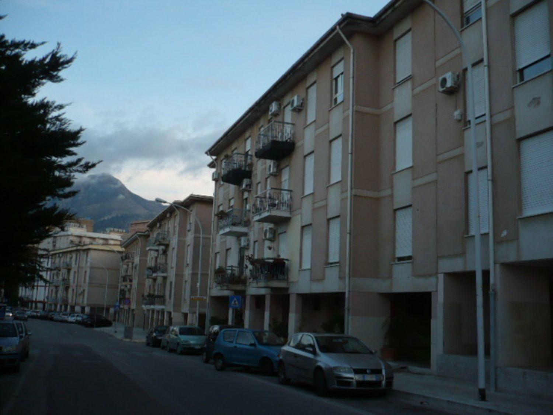 Appartamento in vendita a Termini Imerese, 5 locali, prezzo € 120.000 | CambioCasa.it