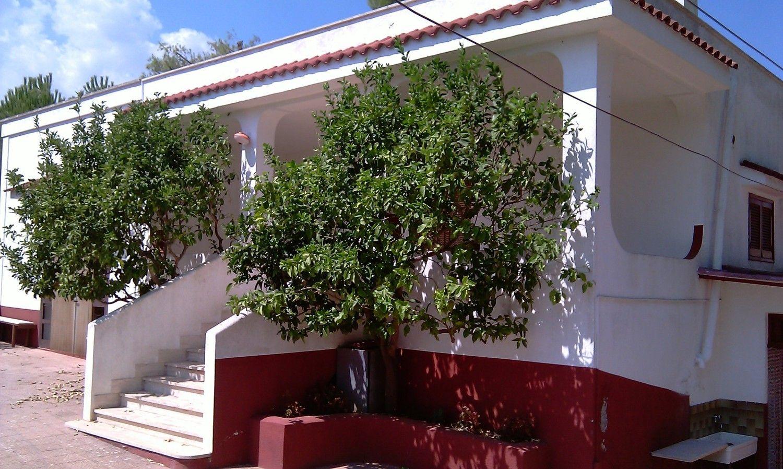 Soluzione Indipendente in vendita a Ceglie Messapica, 7 locali, prezzo € 130.000 | CambioCasa.it