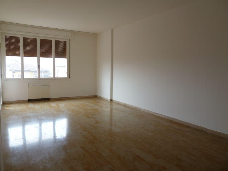 Appartamento in vendita a San Giovanni in Persiceto, 5 locali, prezzo € 198.000 | Cambio Casa.it