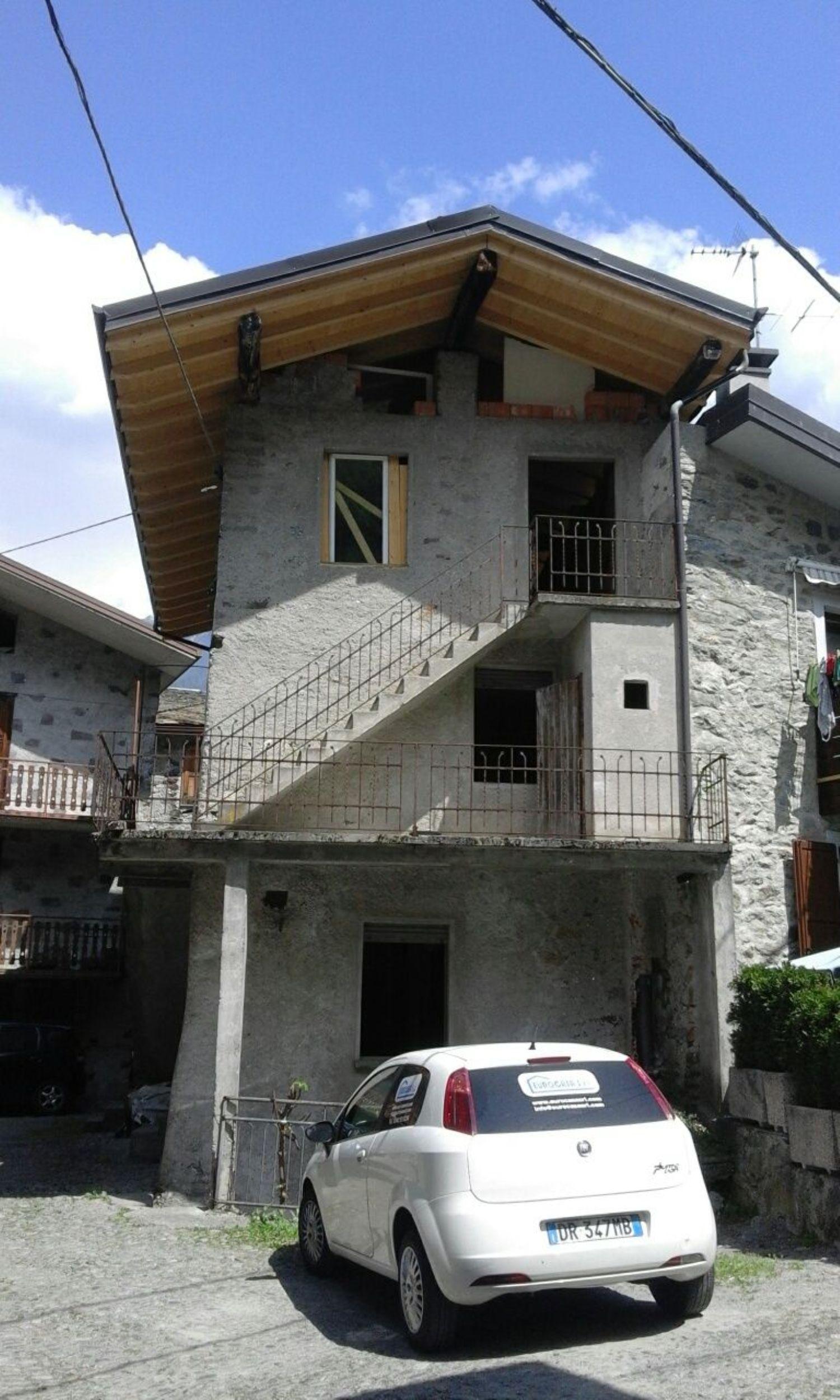 Villa a Schiera in vendita a Ponte in Valtellina, 4 locali, prezzo € 59.000 | CambioCasa.it