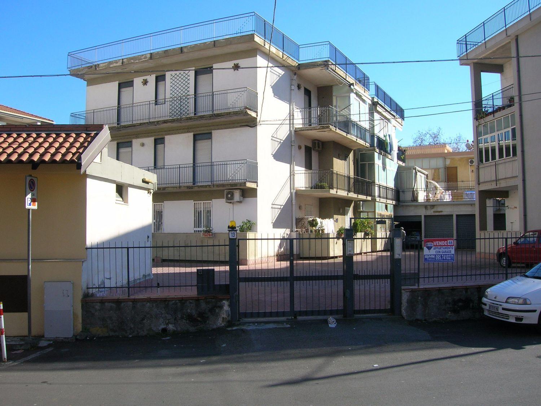Appartamento in vendita a Acireale, 3 locali, prezzo € 125.000 | CambioCasa.it