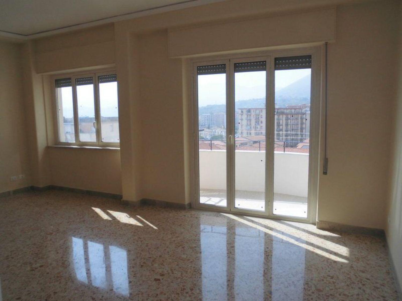 Appartamento in affitto a Monreale, 5 locali, prezzo € 780 | CambioCasa.it