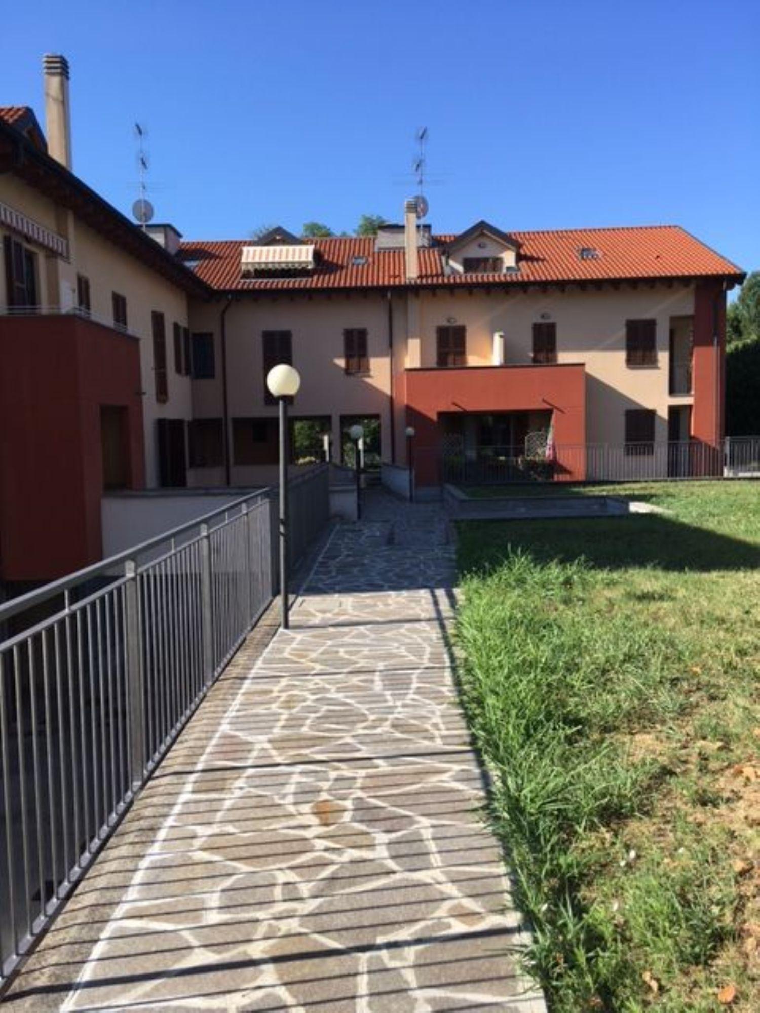 Attico / Mansarda in affitto a Masate, 3 locali, prezzo € 650   CambioCasa.it