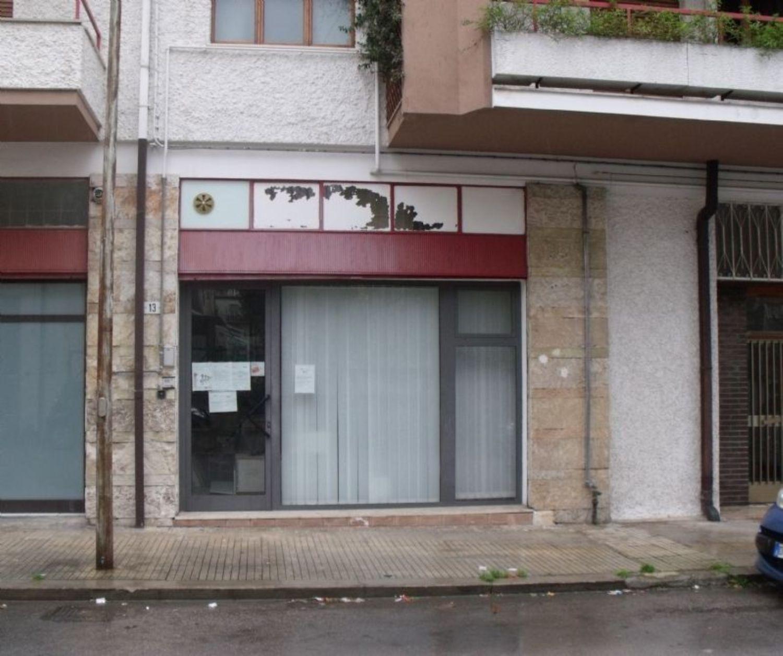 Immobile Commerciale in vendita a Ortona, 9999 locali, prezzo € 95.000   CambioCasa.it