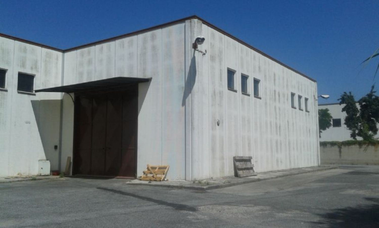 Capannone in vendita a Velletri, 9999 locali, prezzo € 550.000 | CambioCasa.it