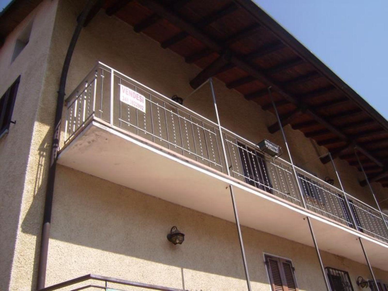 Appartamento in affitto a Grantola, 2 locali, prezzo € 350 | Cambio Casa.it