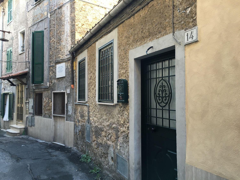Appartamento in vendita a Subiaco, 3 locali, prezzo € 60.000 | Cambio Casa.it