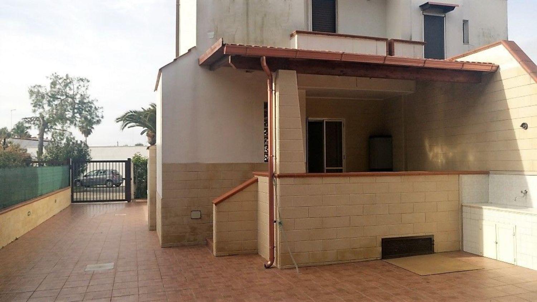 Villa a Schiera in vendita a Leporano, 4 locali, prezzo € 119.000 | CambioCasa.it