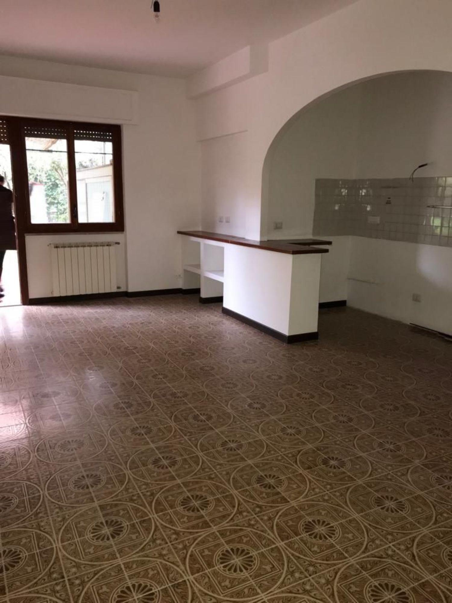 Appartamento in vendita a Nettuno, 5 locali, prezzo € 220.000 | CambioCasa.it